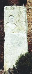 Monòlit dedicat a Mossèn Homs. Autor: Bernat Armengué